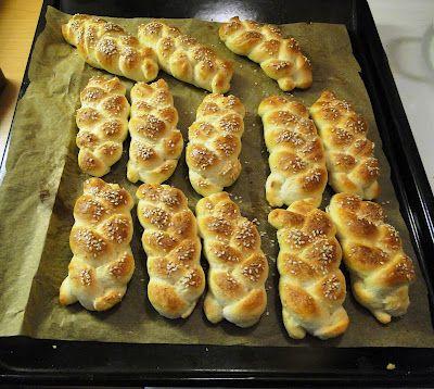 NAŠE KUCHYNĚ: Domácí houstičky ještě teplé s máslem které se roz...