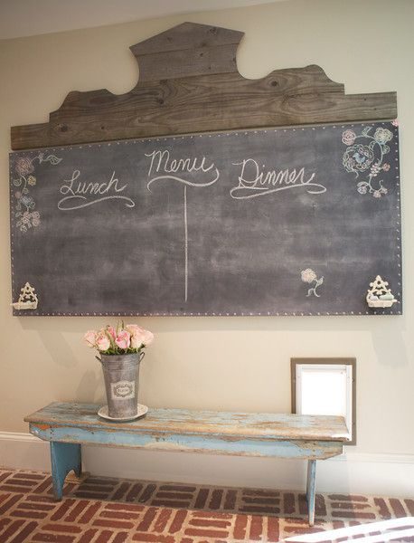 Diy French Farmhouse Chalkboard Tutorial Awesome Project Made Using Salvaged Wood For The Header A Painted Hollow Core Door