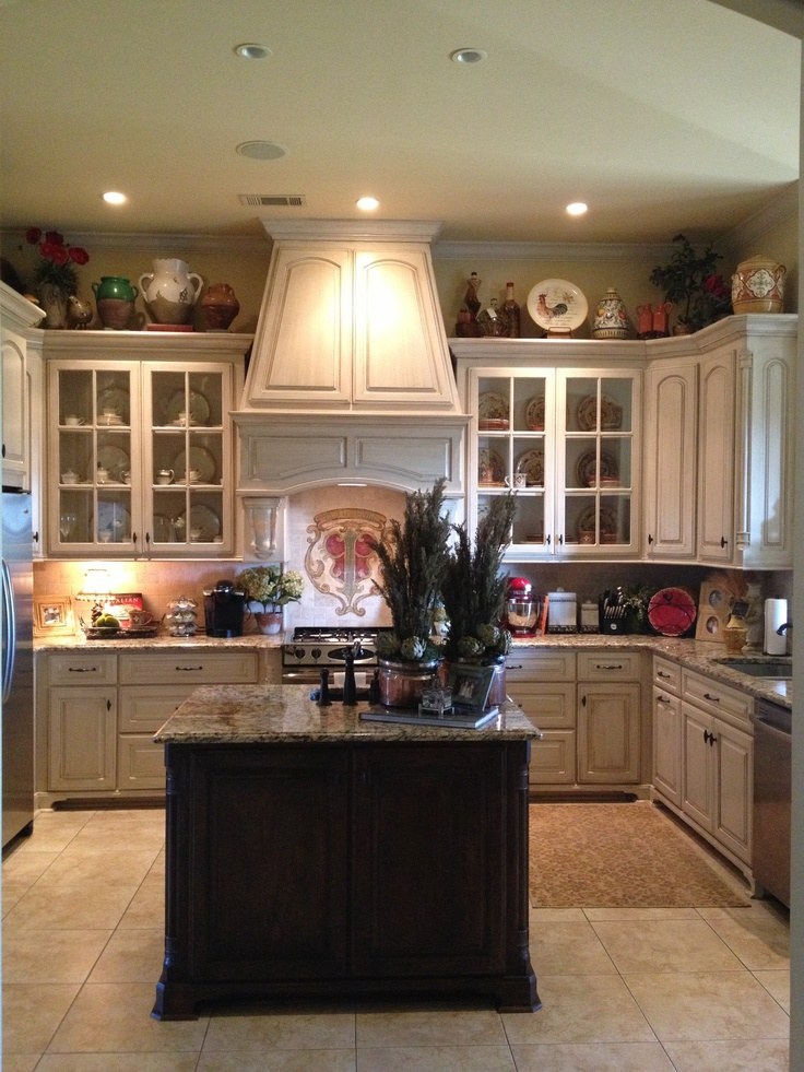 Country Kitchen Island, Country Kitchen Cabinets, Country Style Kitchens, French  Kitchens, Dream Kitchens, Country Kitchen Layouts, Kitchen Cabinet Colors,  ...