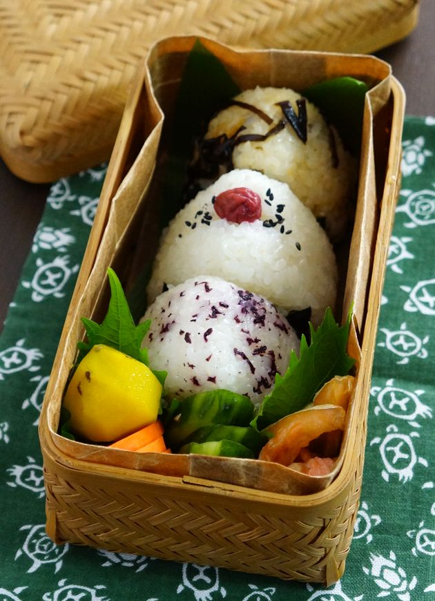 Traditional Japanese Onigiri Rice Balls Bento Lunch|弁当