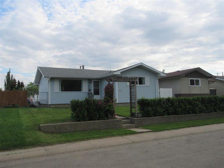 7411 137 Avenue, Edmonton: MLS® # E4066149: Delwood Real Estate: RE/MAX Real Estate