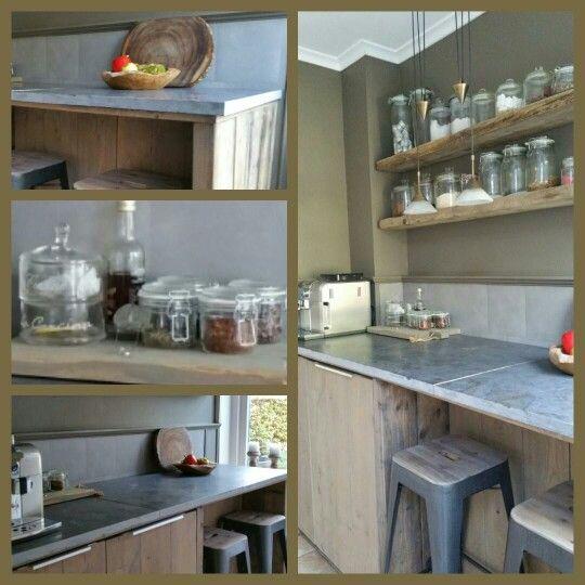 Krijtbord Achterwand Keuken : DIY: Keukenblok van hardstenen buitentegels eiken vloerdelen en