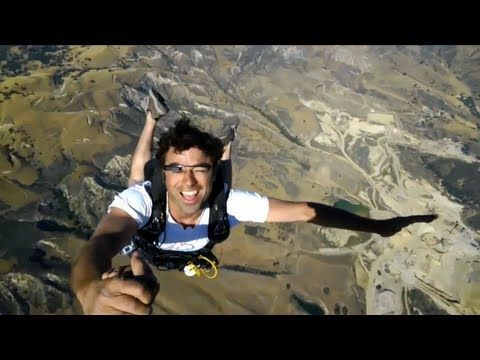 STOP Everything And Checkout Google Glass Skydiving Demo That Will Blow Your Brain [Viral Video]
