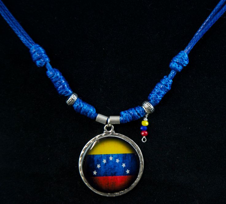 Venezuela Flag double-faced medal. Padre Nuestro prayer. Handmade necklace. Adjustable length. Colored beads. Silver plated Medallion. by SaraBarbadillo on Etsy