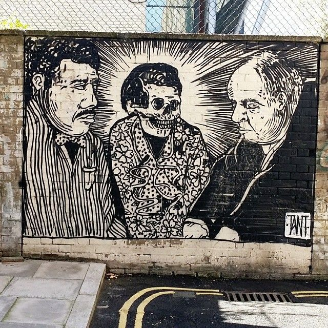 Senõr Muerte in a frilly collar by #Tant off Kingsland Rd #streetart #graffiti #instagram #cool