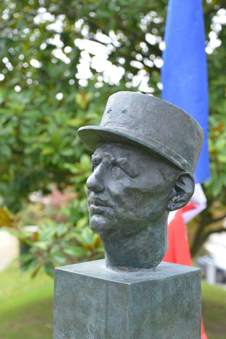 16 best sculptures et architecture dans la ville images on - Piscine charles de gaulle ...