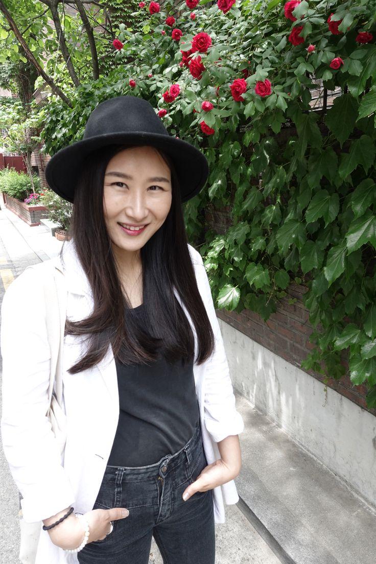 #dailylook #style #fashion #봄코디 #데일리룩 #여름자켓 #여름코트 #5월코디 #blogger #fashionblog #korea #koreanstyle #koreanfashion #블로거 #패션블로거 #화이트자켓 #화이트블레이저 #블레이저 #플로피햇 #whitejaket #whiteblazer #blazer #floppyhat #hat