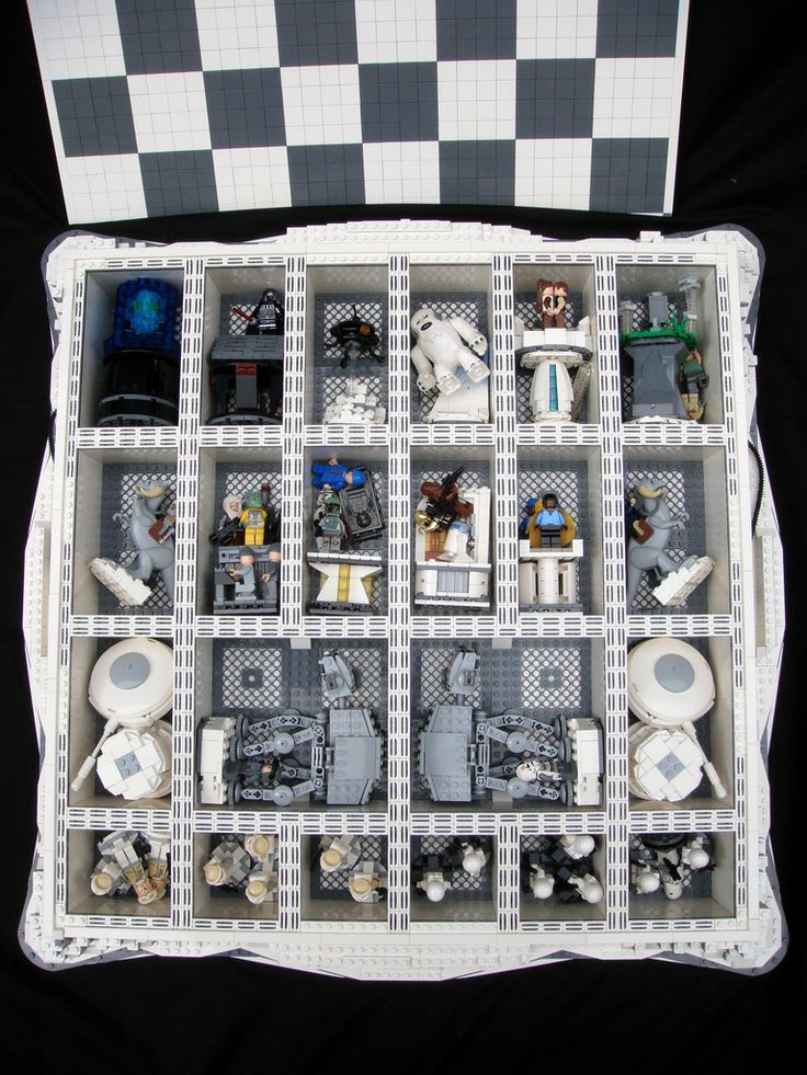 https://flic.kr/p/8yLAaL | Star Wars: The Empire Strikes Back Lego Chess | The lid can be easily removed and all of the pieces can be stored inside the chess set.
