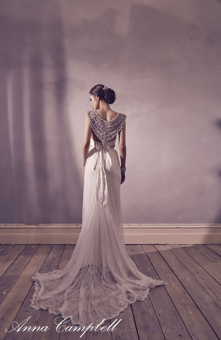 Make a statement with this stunning and unusual back of an Anna Campbell wedding dress. Giselle Lace