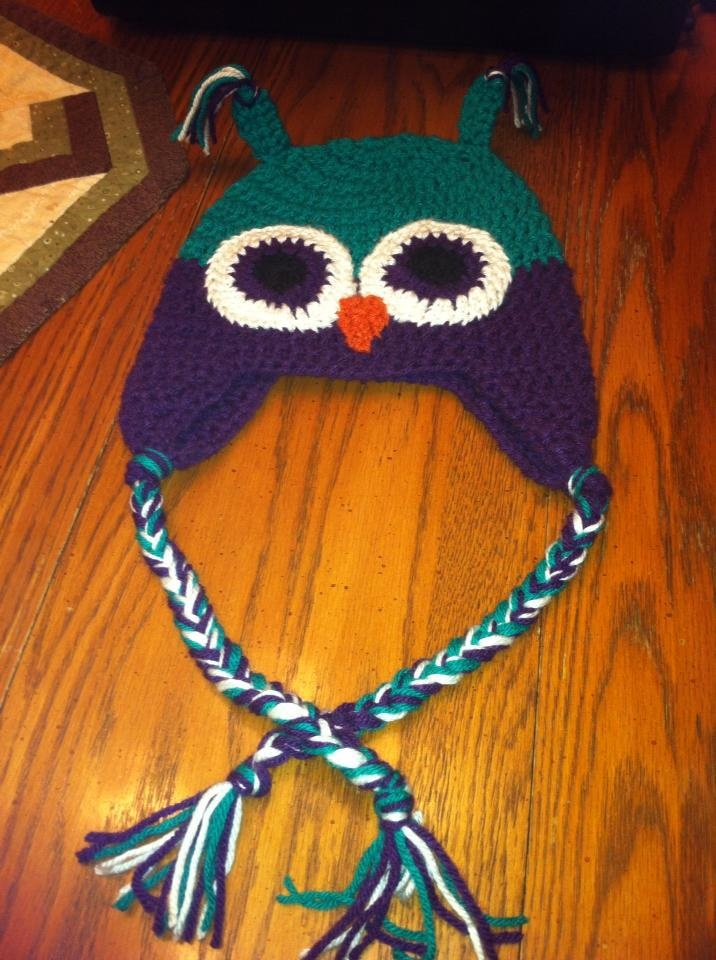 Lindsay's owl hat to match Emily's :)