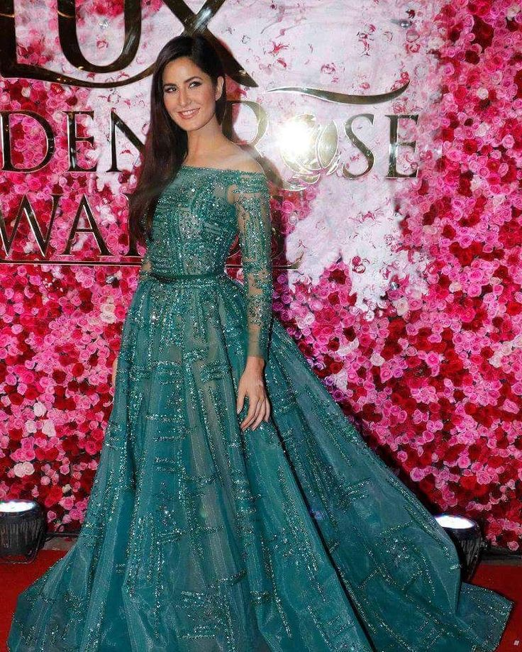 Gorgeous Katrina Kaif snapped at #LuxGoldenRoseAwards in Mumbai. @filmywave   #awards #awards2016 #celebrities #celebrity #actor #actress #movie #bollywood  #bollywoodactor #bollywoodactress #filmywave