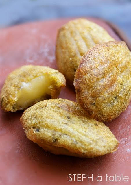 Mini madeleines au pesto, coeur de comté | Stephatable