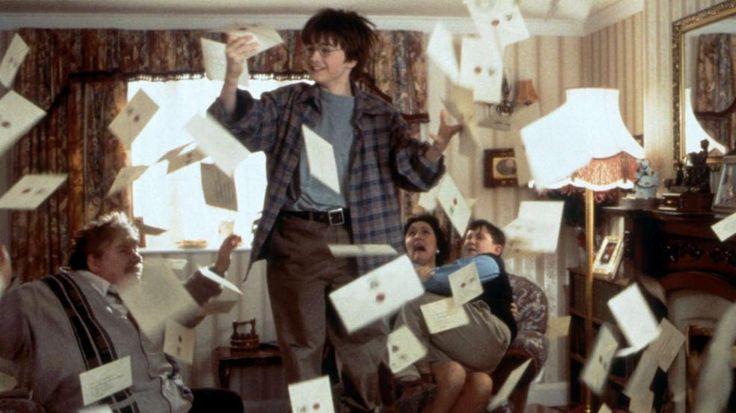 """Vorlage ist ein Theaterstück: Neues """"Harry Potter""""-Buch erscheint im Juli! - New """"#HarryPotter"""" by astro #snake @jk_rowling in July; #DanielRadcliffe astro #snake too ;D http://www.bild.de/unterhaltung/leute/harry-potter/am-30-juli-erscheint-teil-8-als-buch-44515900.bild.html"""