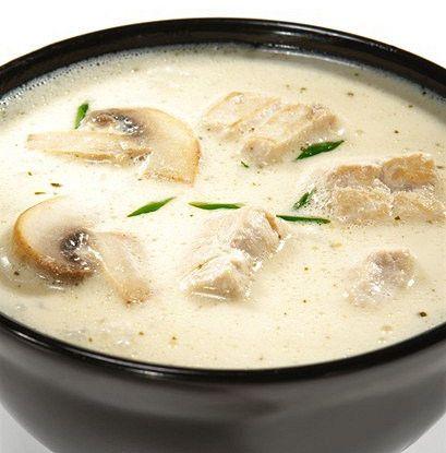 Острый суп с курицей, кокосовым молоком и корнем галангала рецепт – тайская кухня: супы. «Афиша-Еда»