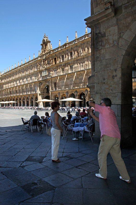 #Lugares: Praça Maior - #Salamanca - #Espanha, Castelo Hohenschwangau; Anfiteatro de El Jem; karlskirche ; San Tirso - Oviedo; Gravuras Foz Côa; Parque cidade – Porto; Laredo – Espanha; Tunísia
