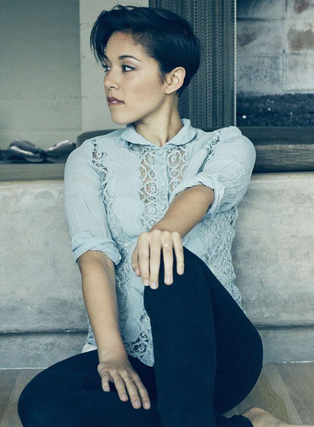 """Kina Grannis hat sich längst als hinreißende neue Stimme der amerikanischen Songwriter-Szene etabliert. """"Elements"""", das am 6."""
