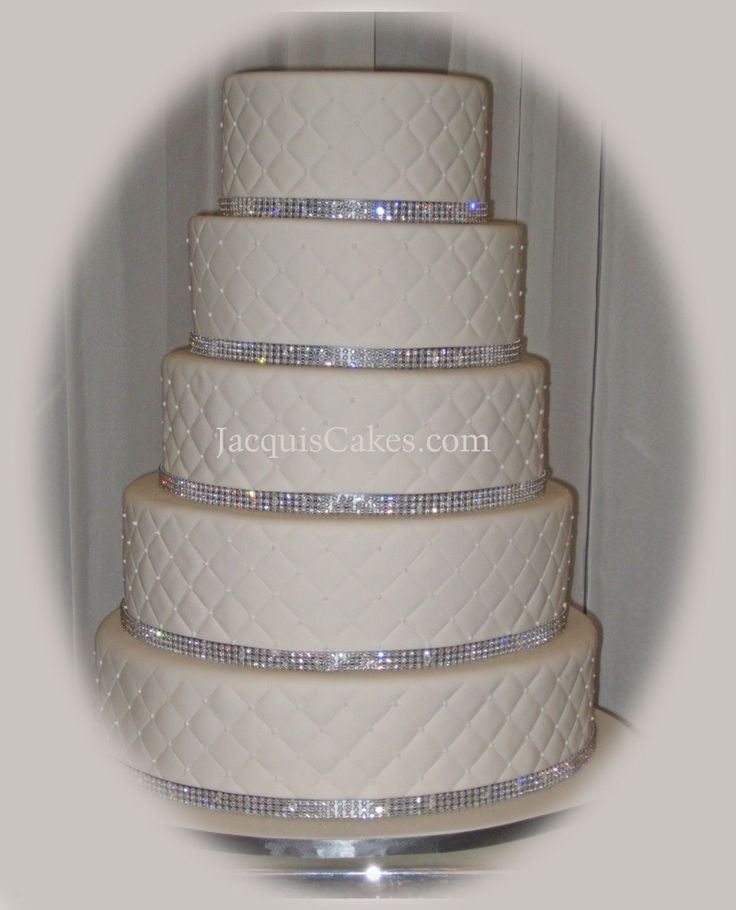 how to make a bling wedding cake stand 1000 images about wedding cakes bling on 15792