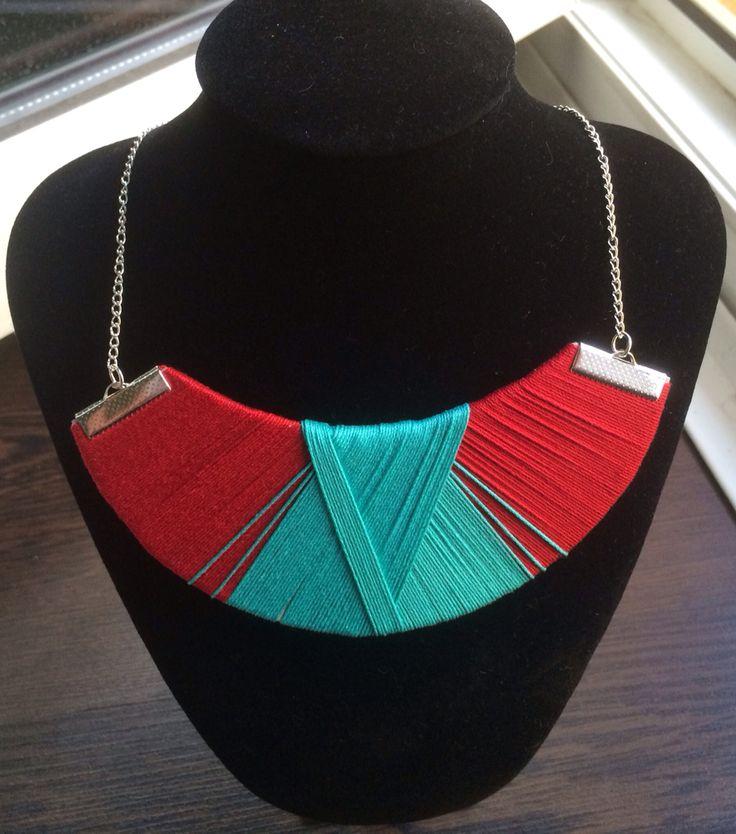 Piros és türkiz nyaklánc