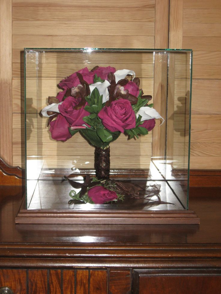 wedding bouquet display case 1000 images about glass cases bridel bouquets preserved 8451