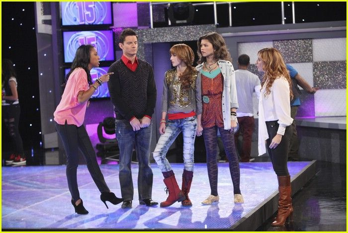 anneliese van der pol shake it up
