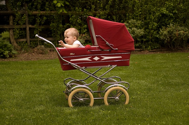 baby carriage! Were getting one for Marilynns room its gunna be adorable!