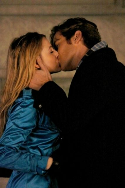 Blake Lively as Serena and Armie Hammer as Gabriel in Gossip Girl's 'Seder Anything'.