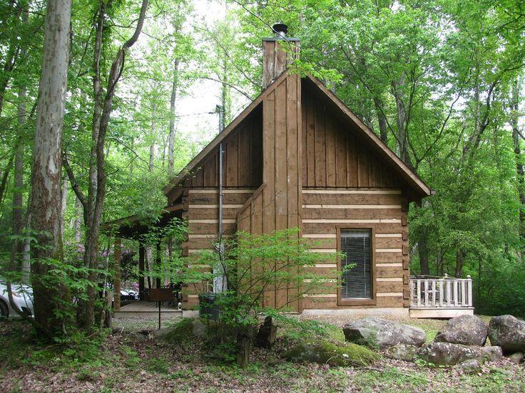 Peaceful creekside cabin near gatlinburg pigeon forge for Cabin near gatlinburg tn