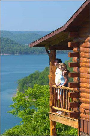 Eureka Springs Arkansas Romantic Getaway :: Lake Shore Cabins on Beaver Lake :: Beaver Lake Waterfront Cabins