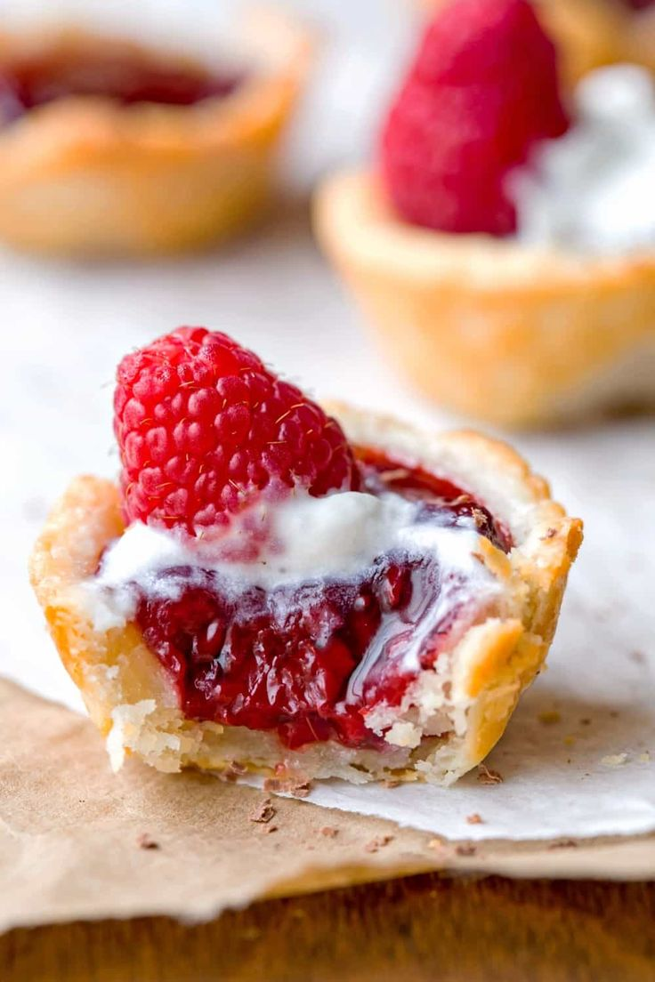 Raspberry Tassies Recipe has a flavorful, tender shell filled with raspberry pie filling. These make great Christmas cookies!