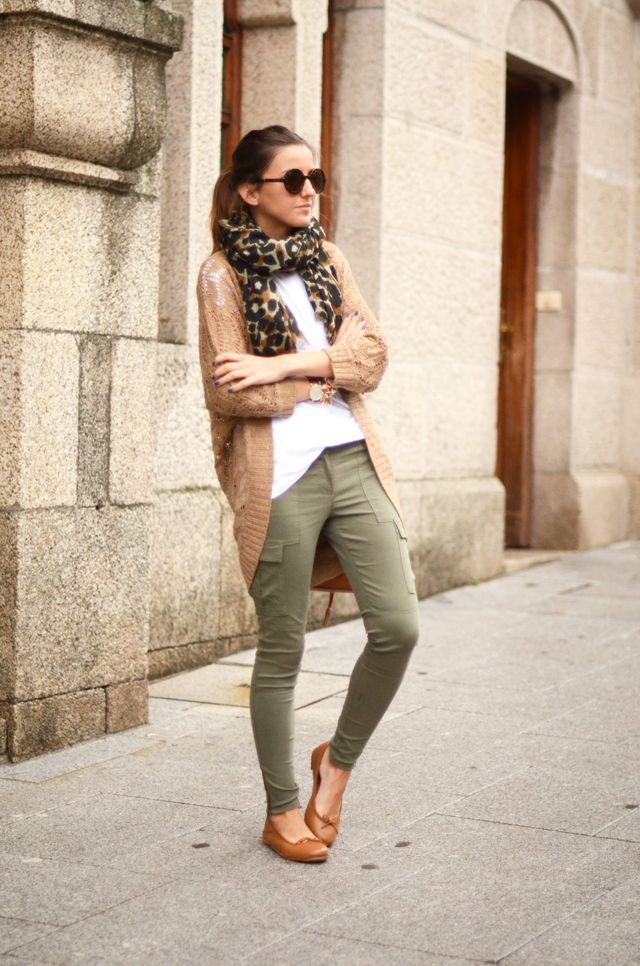 Keep it casual in cargo skinnies, an oversized cardigan and leopard scarf.: