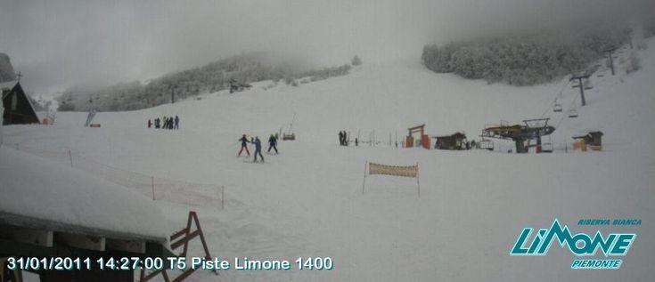 Neve su Piemonte Liguria ed Appennini, sole a nord-est http://news.mondoneve.it/neve-su-piemonte-liguria-ed-appennini-sole-a-nord-est_2852.html #montagna #neve #sci #snow #mountain #ski #alps
