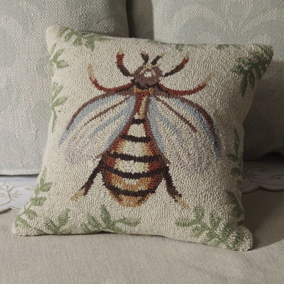 ≗ The Bee's Reverie ≗ Hand Hooked Bee Pillow