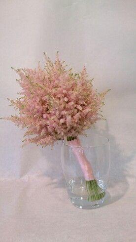 Bruidsboeket van licht rose spirea of astilbe. nagemaakt voor een klant na voorbeeld van plaatje van pinterest door www.bloemenweelde-amsterdam.nl