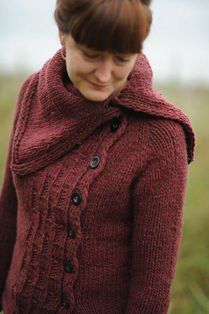 I'm already getting the autumn knitting bug.  Perhaps its the 58 degree temps we have here in the PacNW.. but for serious, this is so great.