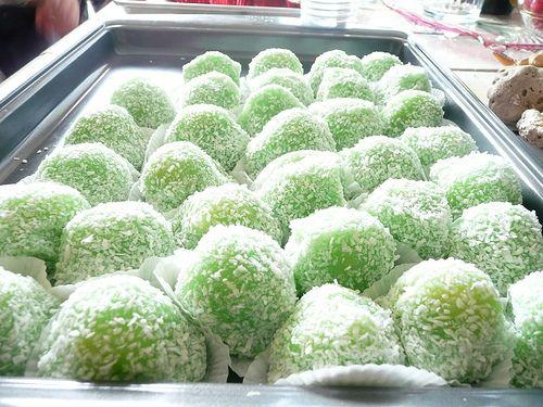Vietnamese Coconut Mochi (Bánh Bao Chỉ)