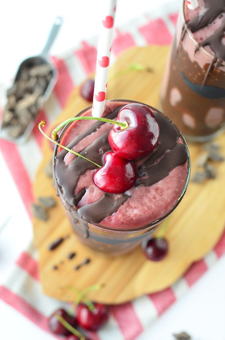 Vegan Chocolate Cherry Milkshakes - Delicious Knowledge