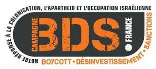 En Israël on ne cache pas sa colère contre la France qui vient de décider l'application de la décision de l'Union européenne du marquage des produits venant des entreprises juives de Judée-Samarie. Le ministère des Affaires étrangères a fait connaître son irritation, soulignant que la France, où existe une loi anti-boycott, favorise aujourd'hui de telles …