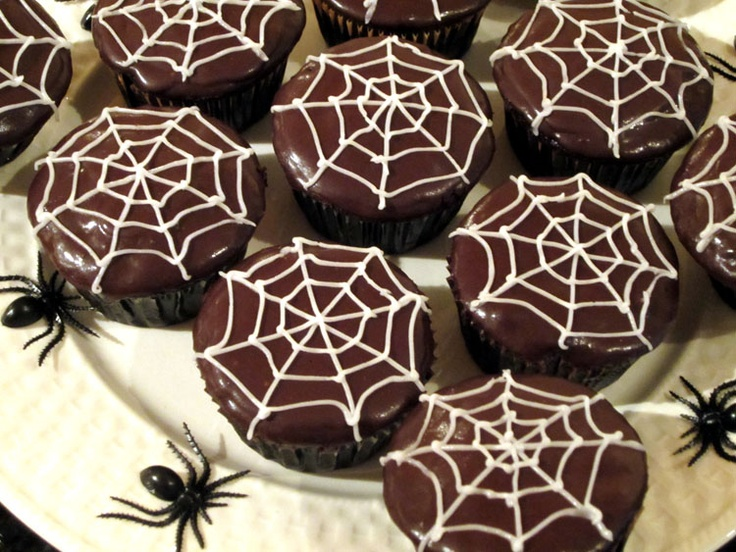 spider cup cakes