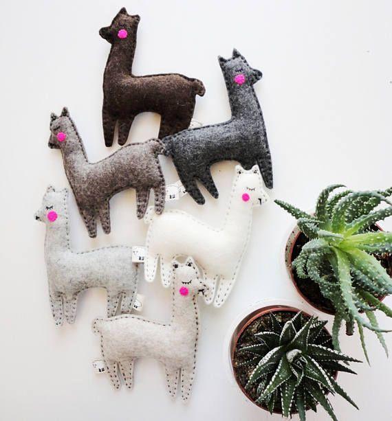 cactus et lamas cadeaux de lama peluche alpaga cette liste est pour jouet un lama ou un. Black Bedroom Furniture Sets. Home Design Ideas