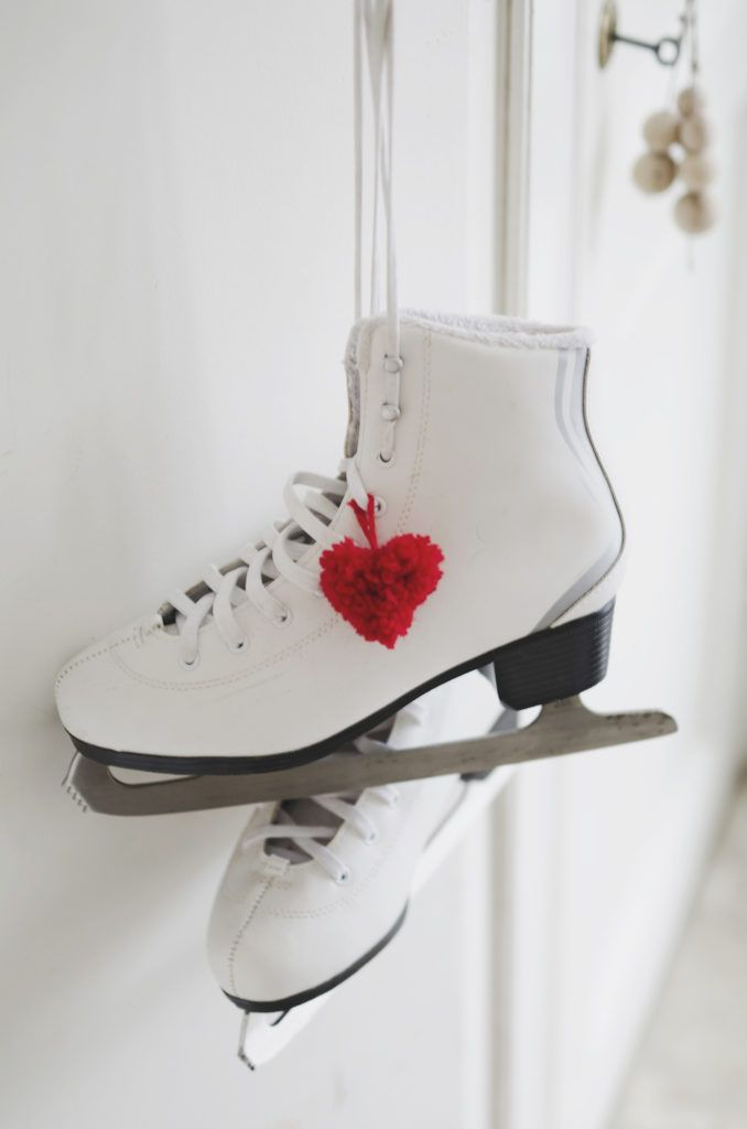 Heart-Shaped Pompoms for Ice Skates | DIY | willowday
