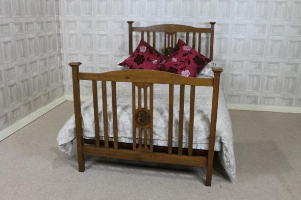 A fine example of an oak arts and crafts bed this for Arts and crafts headboard