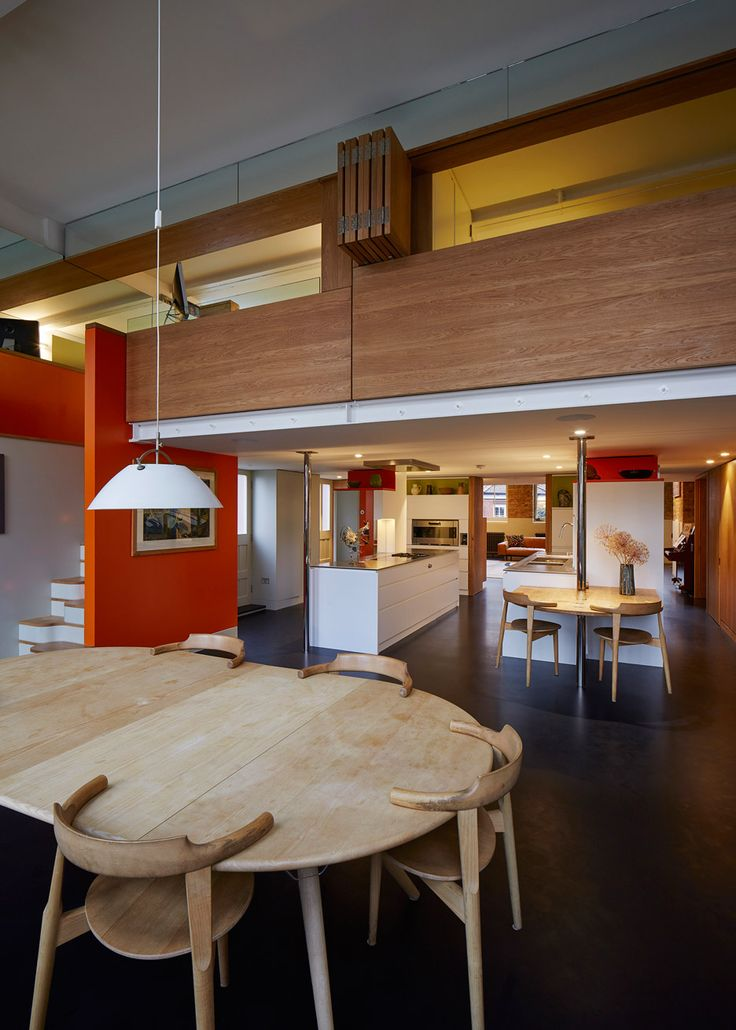 Knox Bhavan Architects Combines Two Flats In A Former School