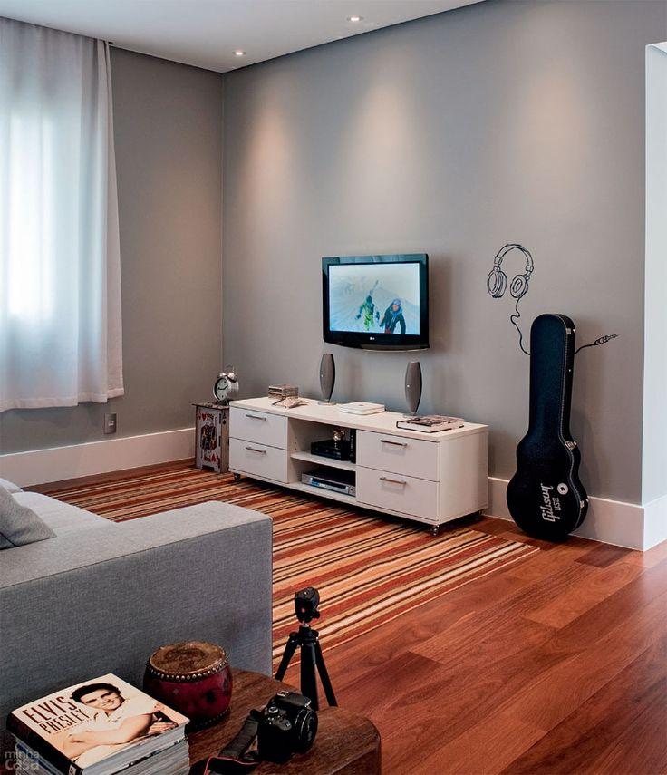 Reforma muda cômodos de lugar e integra ambientes de apê - Casa
