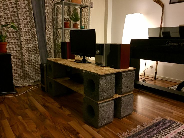 My daughther's sheap dream in a living room (22€)
