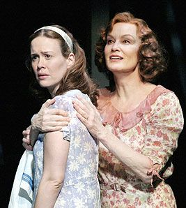 the glass menagerie broadway - 2005, Jessica Lange and Sarah Paulson.   I would kill to see this production.