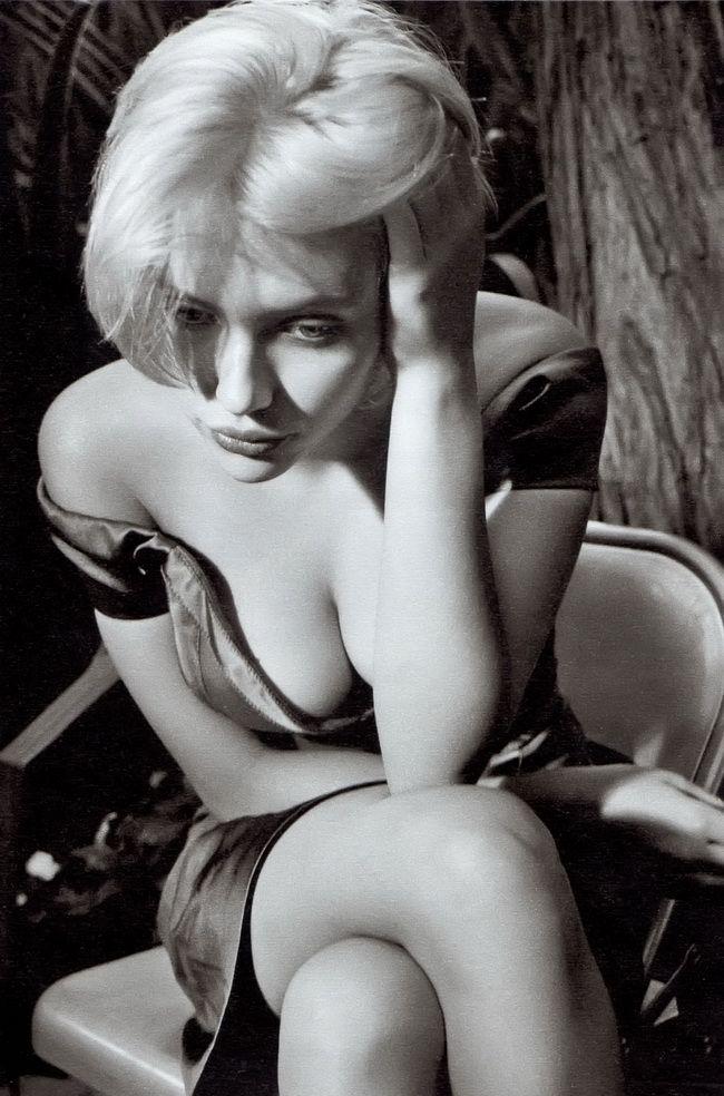 "Annie Leibovitz ""Scarlett Johannson"": Scarlet Johansson, Fotografie Photography, White Photography, Scarlett Johansson, Scarlett Johannson, The Angel, Black White, Annie Leibovitz, Scarlett Johanson"