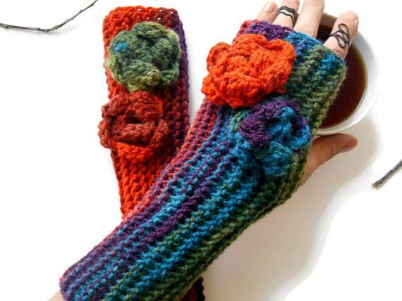 Women Knit glove, Glove for women, Knit Arm Warmer, crochet long Glove, Handmade Glove, Knit Colored Glove, Gifts for women, gifts for her ----------------------------------------------- Batik acrylic gloves. Made from soft spun yarn. Elegant glove. You can wear this sleeve warm-up