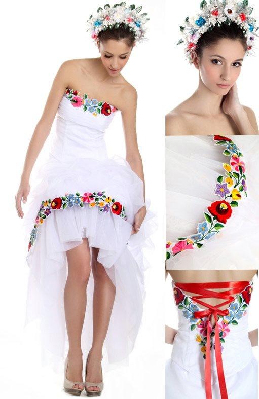 "Hungarian ""Kalocsai"" folk wedding dress |  Borbély Zsuzsi collection | Web: http://www.eskuvoruha.hu/gfx/2012_himz/index.htm"