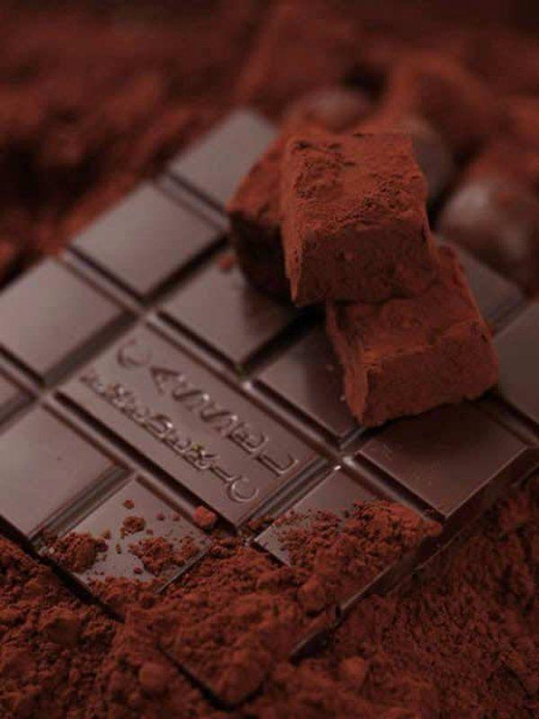 Recipe : アールグレイ風味のトリュフ/パティシエ・ショコラティエとして第一線で活躍するフレデリック・カッセルさん直伝。 #レシピ