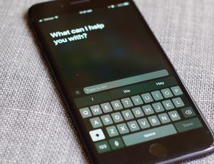 Type instead of talk to Siri with iOS 11 - CNET